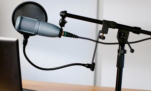 Как прибавить звук микрофона: настройка и усилители